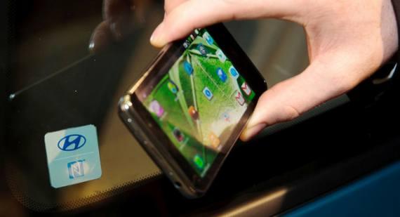 Tecnología móvil NFC de Hyundai podrá encender o bloquear los coches
