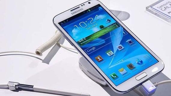 Phablet, ni Smartphone ni Tablet