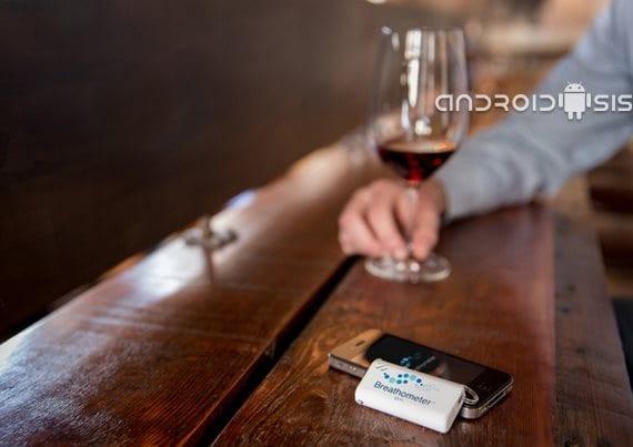 Aplicaciones y gadgets curiosos para Android: alcoholímetro portátil