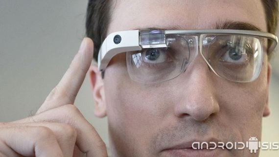 Impresionantes Google Glass muestra trailers de películas con tan solo mirar un cartel