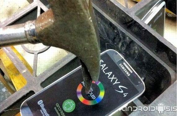 Samsung Galaxy S4: ¡Cuidado con las copias piratas de teléfonos móviles!