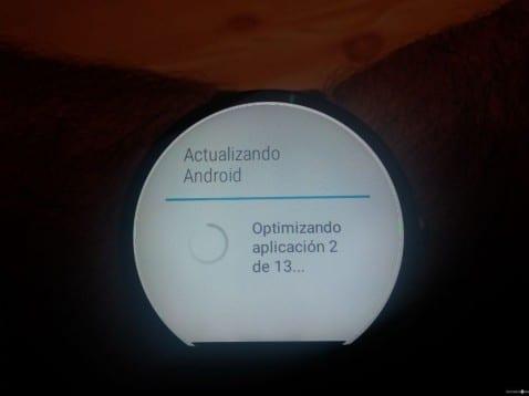 Todo lo que nos ofrece la nueva versión de Android Wear 5.0.1 en el Moto 360