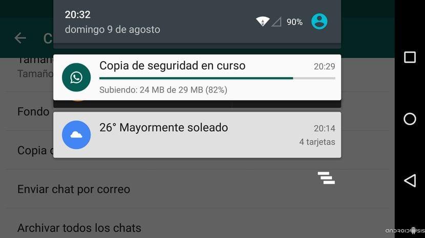 Progreso de la subida de la copia de seguridad de WhatsApp