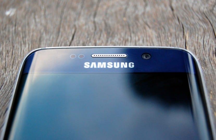 Samsung-Galaxy-S6-Edge-9-830x537