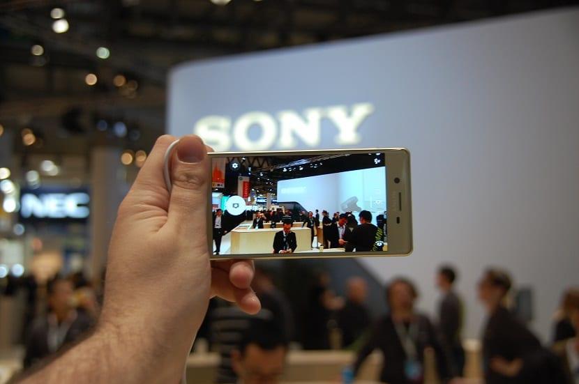 Sony Xperia X (2)