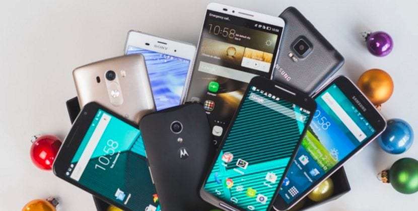 Muchos Smartphones Android apilados