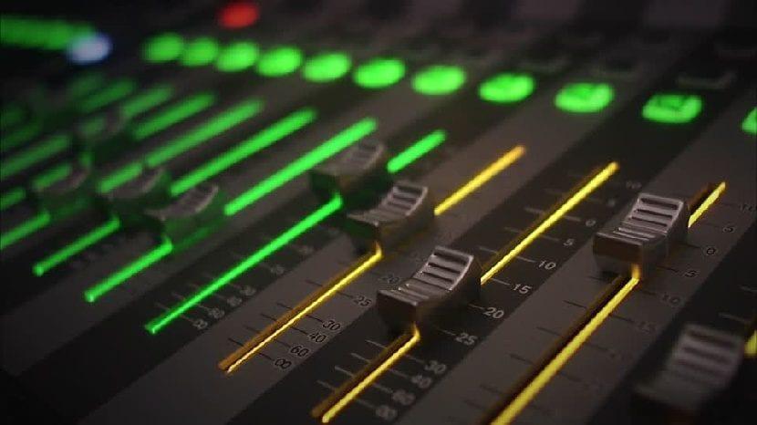 Mesa de mezclas para cortar canciones