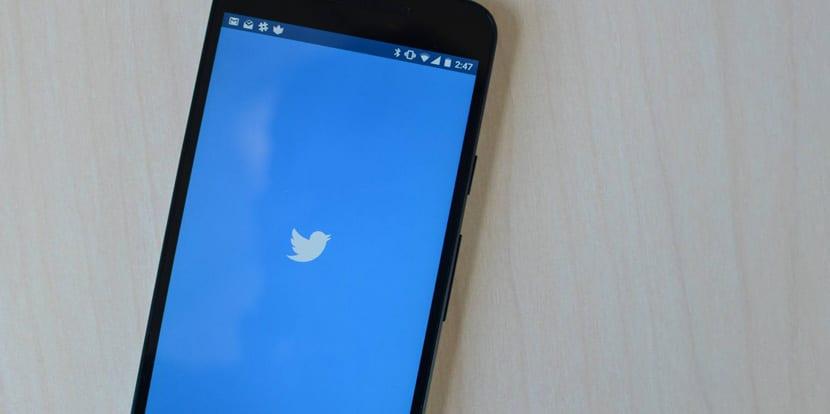 Twitter añadirá la opción de guardar tweets para leer más tarde en la próxima actualización
