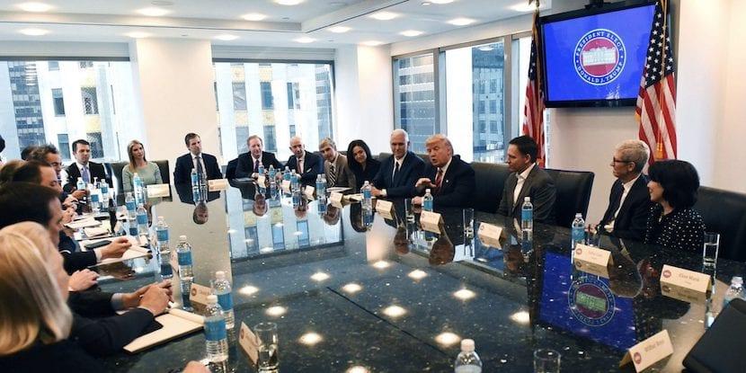 Donald Trump habla sobre empleo, innovación y más con los líderes tecnológicos