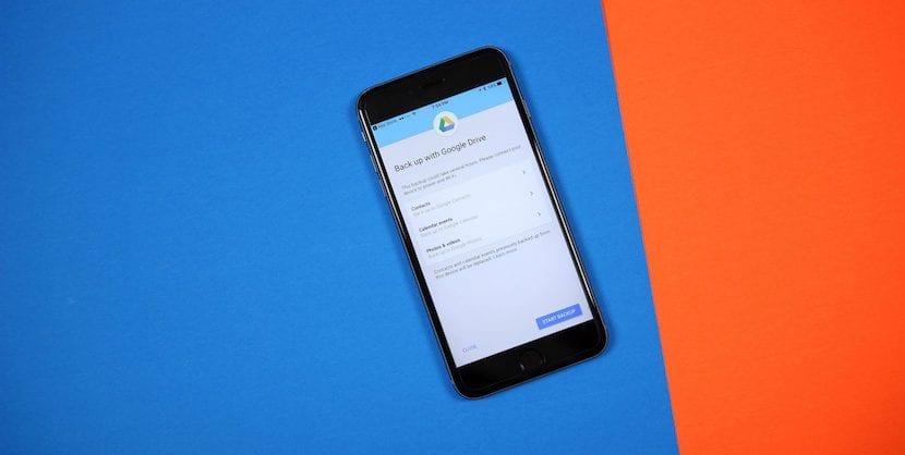 Google Drive para iOS permite hacer backups de contactos, fotos y eventos de calendario para facilitar el cambio a Android