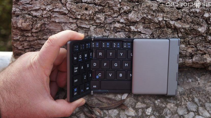 Review del teclado plegable Bluetooth de EC Technology
