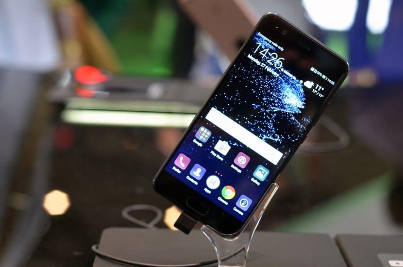 Huawei P10 por delante