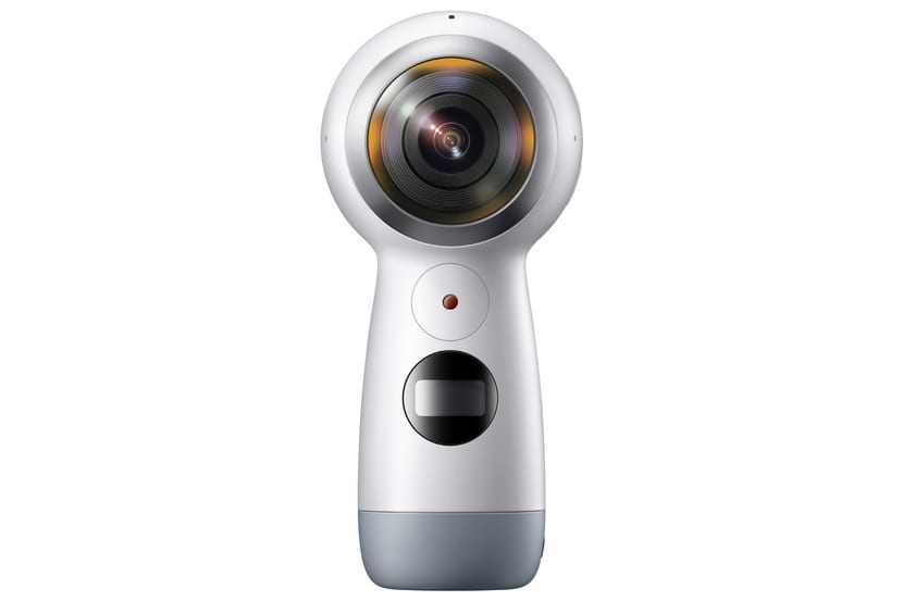 Samsung Gear 360 por delante