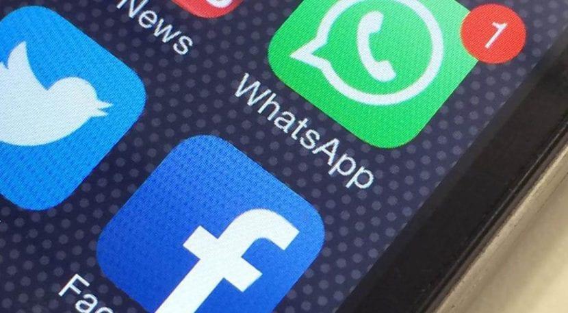 WhatsApp - Facebook logo
