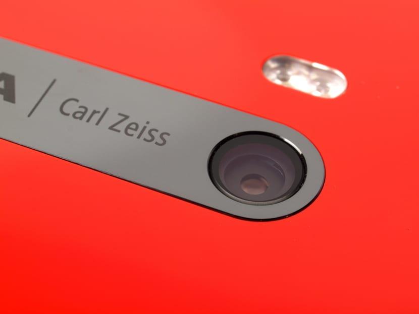 Móvil Nokia con óptica Carl Zeiss