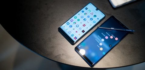 Samsung Galaxy Note 8 vs Essential Phone