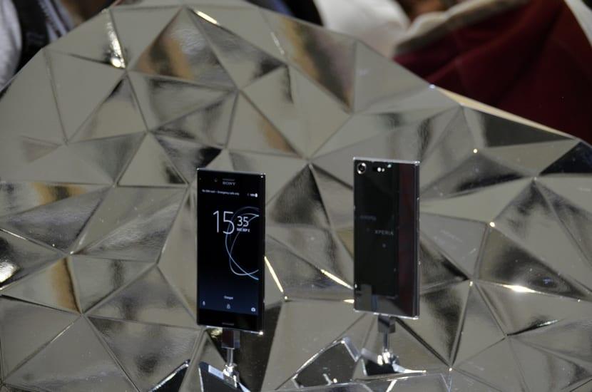 Varios Sony Xperia XZ Premium