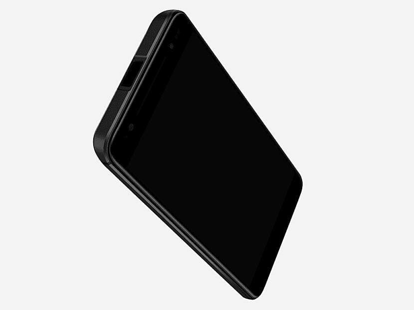 El Moviphone cuenta con una pantalla de 5.5 pulgadas y una resolución FullHD