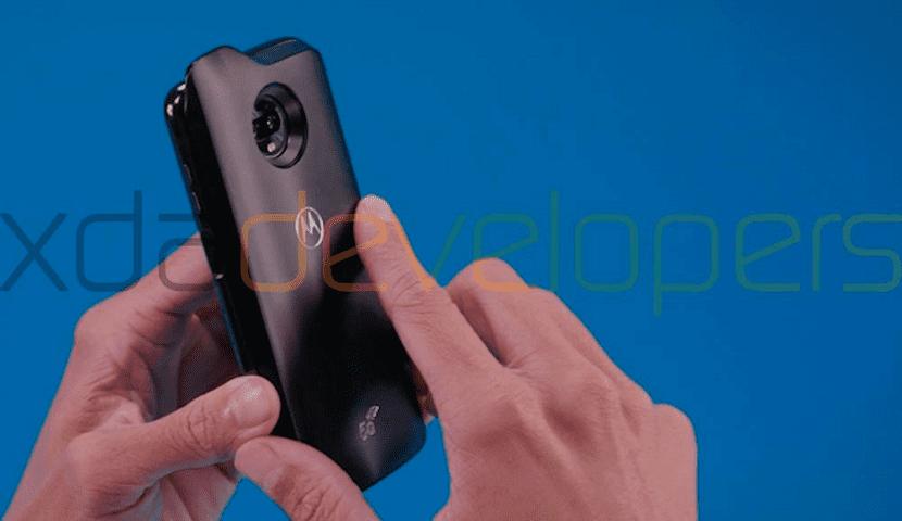 Moto Z3 Play diseño