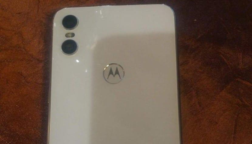 Motorola One Portada
