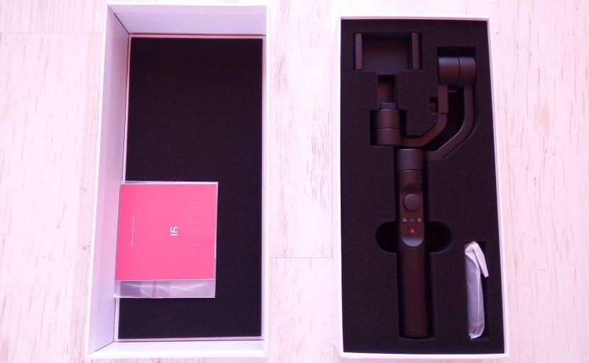 YI smartphone gimbal contenido de la caja