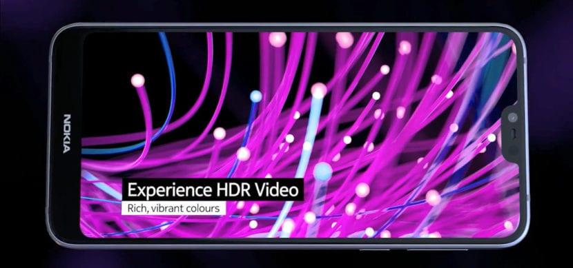 El Nokia 7.1 posee una pantalla PureDisplay con HDR10