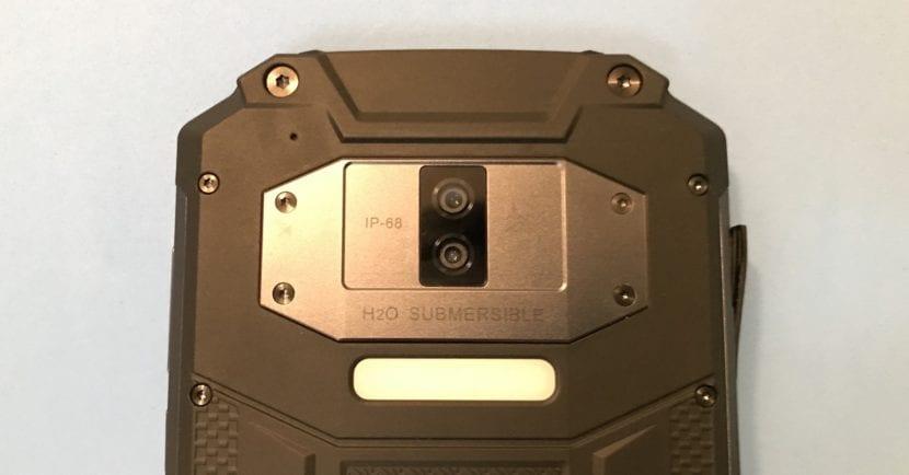 OUKITEL WP2 cámara