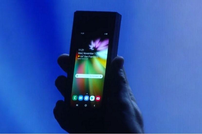 Samsung smartphone plegable