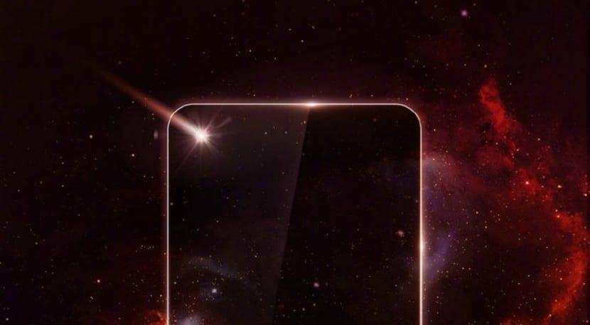Huawei lanzará el primer teléfono con agujero en pantalla