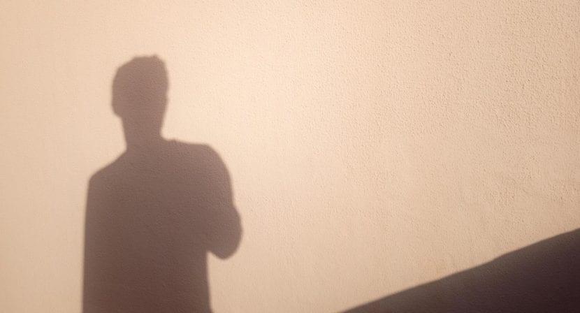 OUKITEL U23 foto sombras