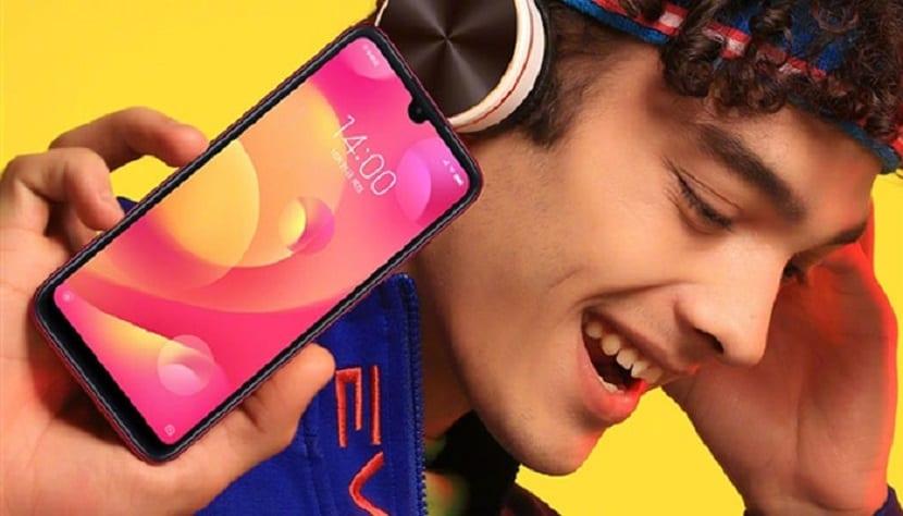 diseño Xiaomi Play