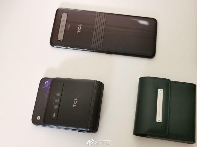 Smartphones plegables de TCL