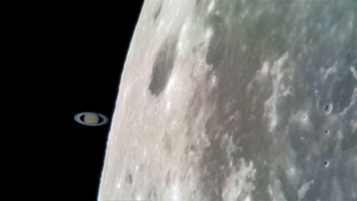 foto de la Luna y Saturno con el Samsung Galaxy S8