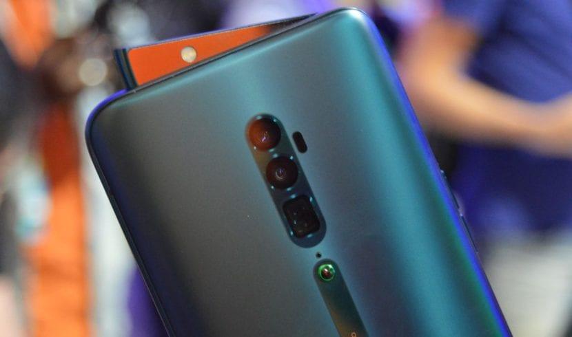Oppo Reno 10X con zoom digital de 60x