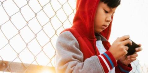 La adicción de los niños a los teléfonos