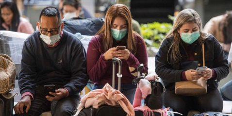 smartphones y mascarillas