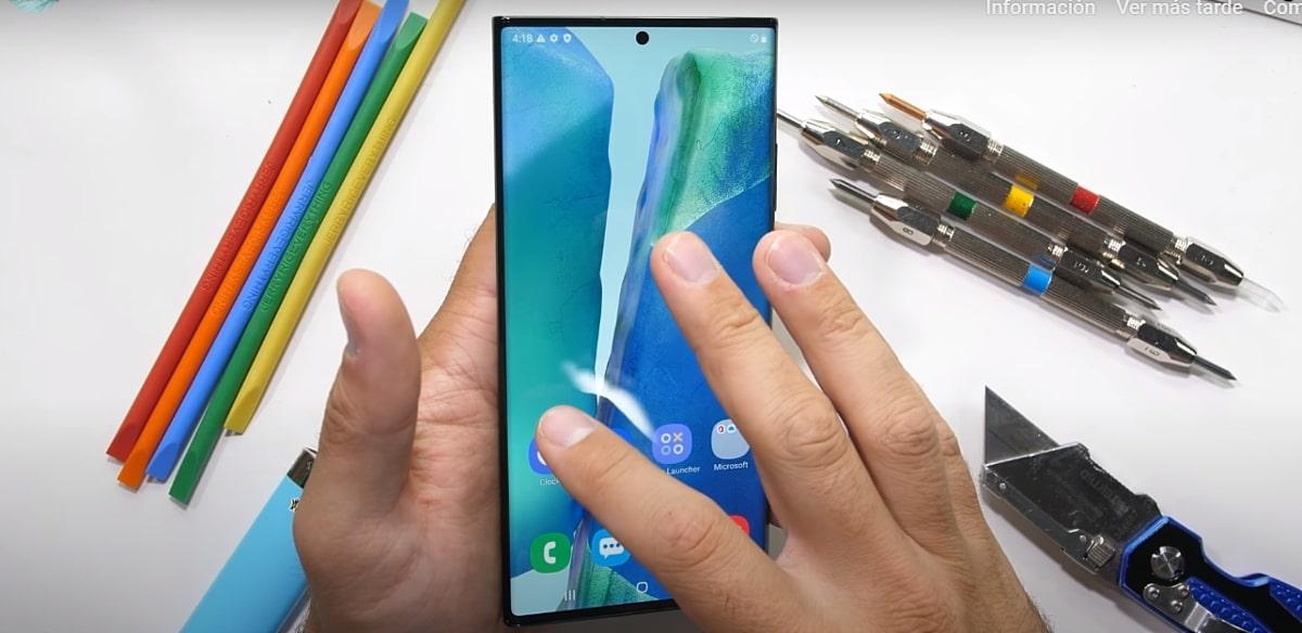 El Galaxy Note 20 Ultra es sometido a las rigurosas pruebas de durabilidad de JerryRigEverything