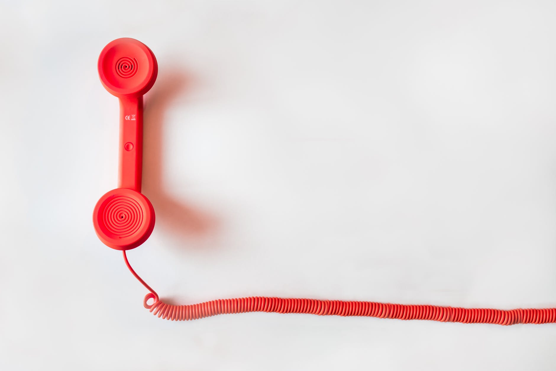 telefono fijo rojo