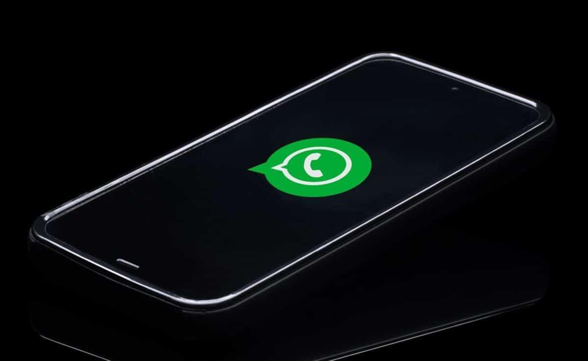 WhatsApp modo claro oscuro