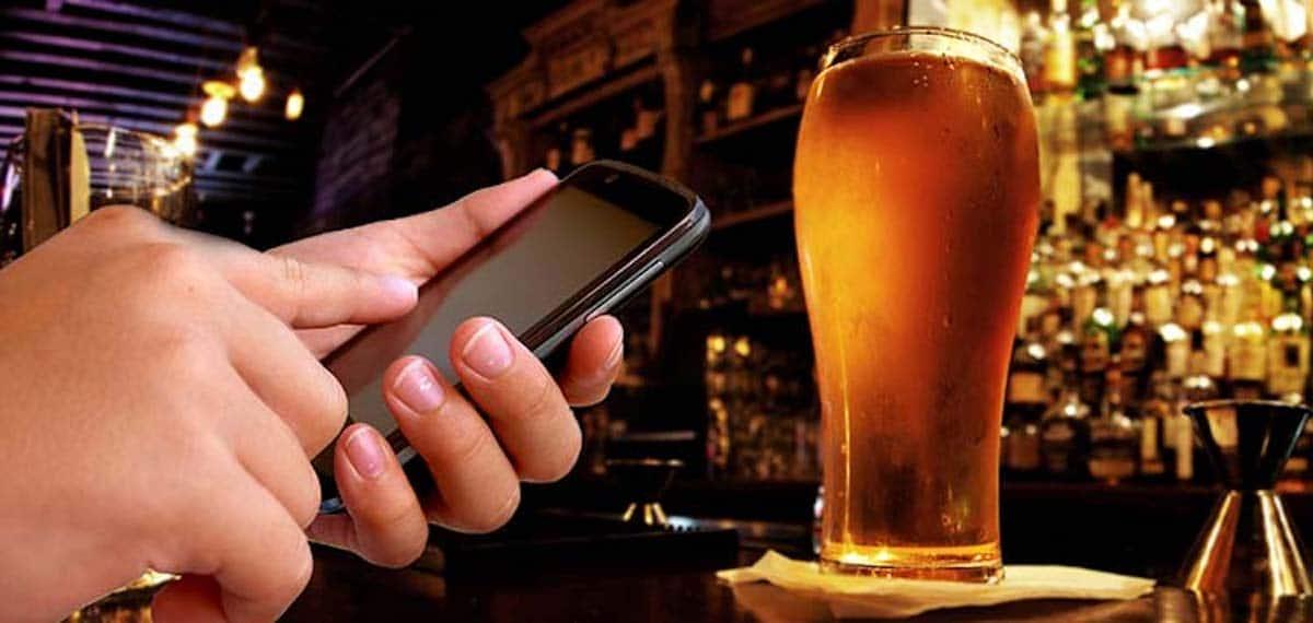 smartphone cerveza