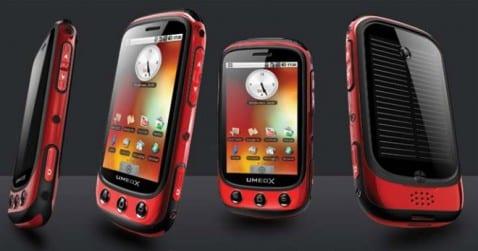 primer smartphone con paneles solares